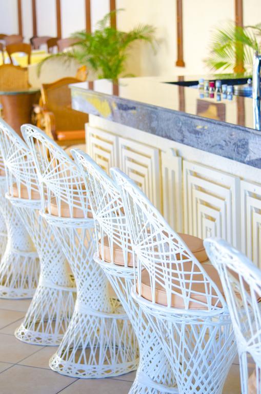 Silver Beach Hotel Bar Mauritius